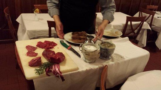 Vecchio Falconiere : stava preparando la carne