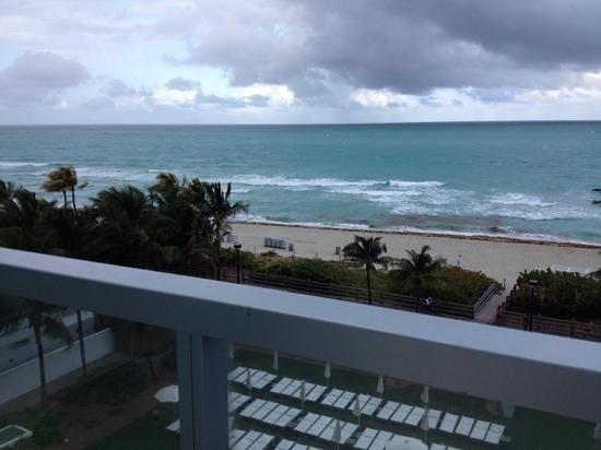 Fontainebleau Miami Beach : view from balcony at dusk
