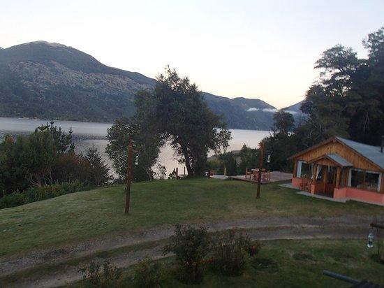 Quime Quipan: El lago ,el mirador y parte del restaurante
