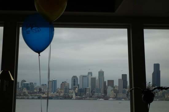 Salty's on Alki : Birthday dinner with amazing view