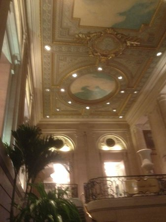 Hilton Chicago : Grand Ballroom looking North, magnificant ceiling
