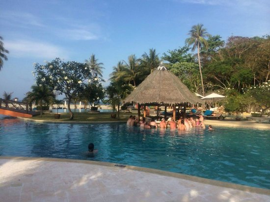Phi Phi Island Village Beach Resort : Pool Bar