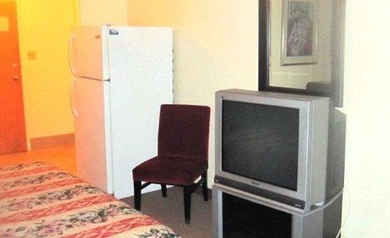 Lido Motel: Room