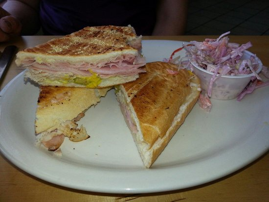 Riverside Cafe: Cuban sandwich