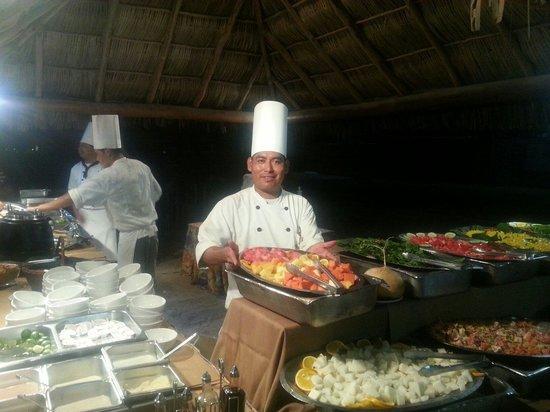 Friendly Vallarta All Inclusive Family Resort: Beach party!!!