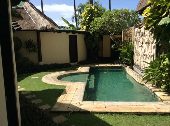 Jimbaran Bay Villas: Another from the Bali hut