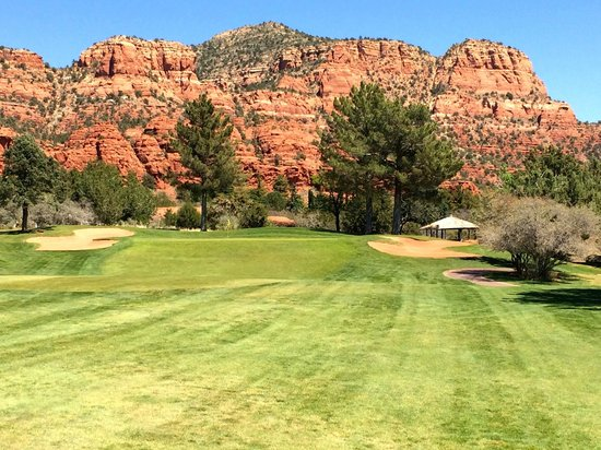 Oakcreek Country Club: Nice view of red rocks