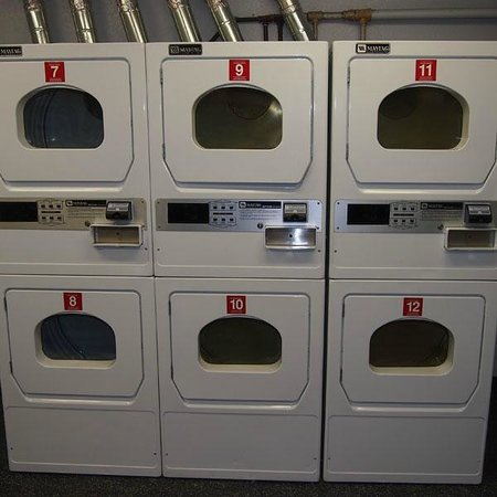 InTown Suites Nashville West : Laundry room situation fixed.
