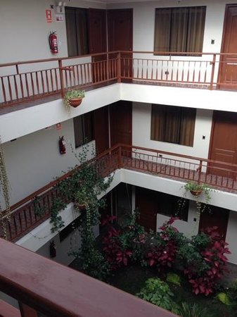 Antawasi Hotel: looking into the interior courtyard