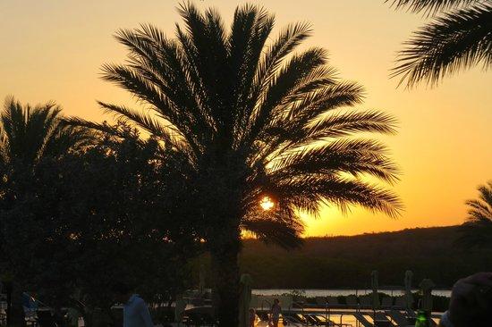 Santa Barbara Beach & Golf Resort, Curacao: Sunset from Medi Restaurant