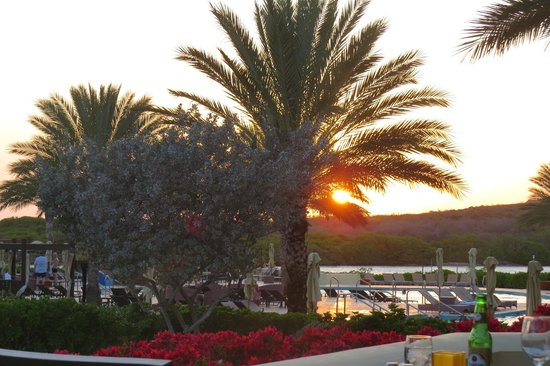 Santa Barbara Beach & Golf Resort, Curacao: Sunsetting view from Medi
