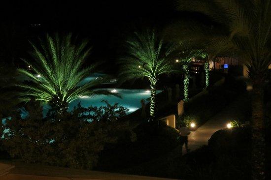 Santa Barbara Beach & Golf Resort, Curacao: View from Lobby Balcony of Pool at night