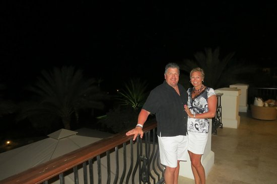 Santa Barbara Beach & Golf Resort, Curacao: Lobby Balcony at night