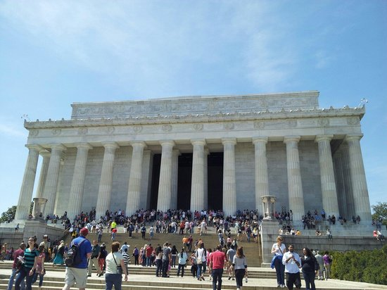 Front of Lincoln Memorial