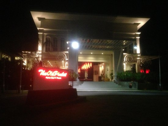 The Old Phuket: Grand entrance