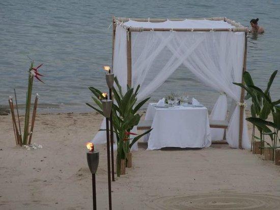 Anantara Lawana Koh Samui Resort: Private dinner on the beach