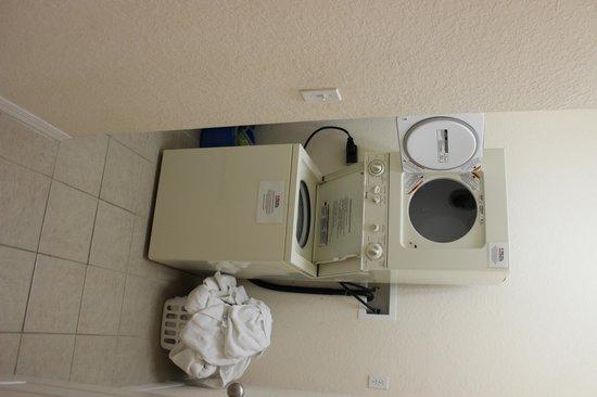 Caribe Cove Resort Orlando: Máquina de lavar / secar