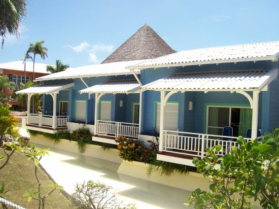 Royalton Hicacos Varadero Resort & Spa: Rooms From The Outside