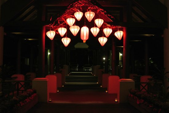 The Andaman, A Luxury Collection Resort : Lobby at night