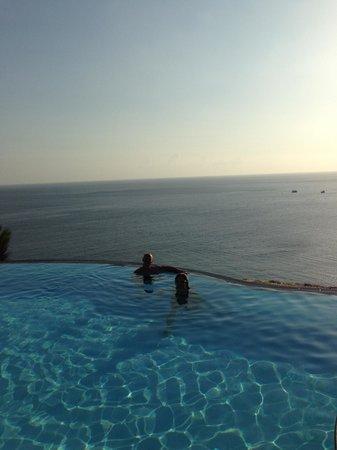 Aminjirah Resort: Soaking up the sunset...