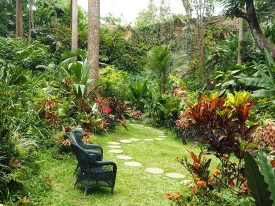 Hunte's Gardens : Enchanting