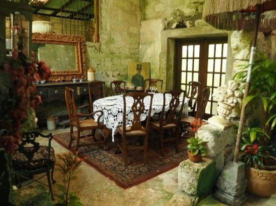 Hunte's Gardens : Dinner anyone?