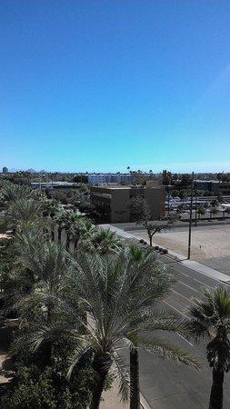 Hilton Phoenix Suites: East Valley