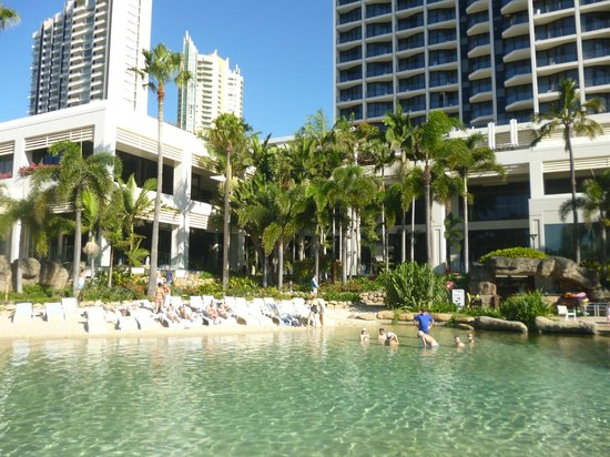 Surfers Paradise Marriott Resort & Spa: Hotel grounds