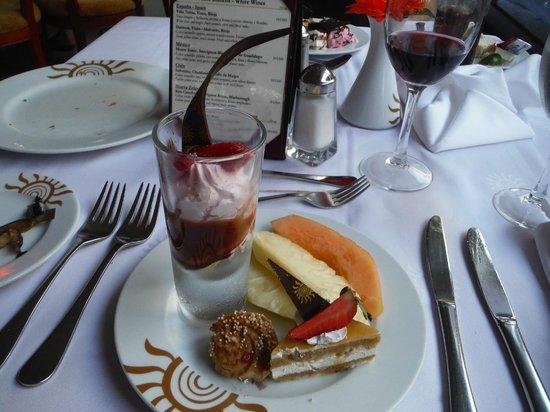 Grand Bahia Principe Coba : Dessert au buffet
