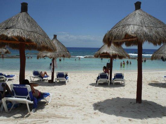 Grand Bahia Principe Coba : Plage section Akumal, la seule place où il y a des chaises disponibles