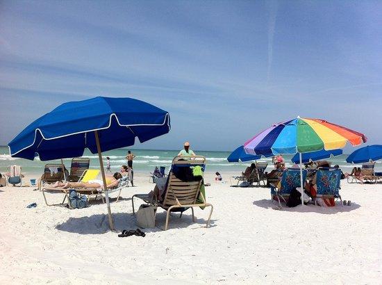 Tropical Beach Resorts: Crescent Beach