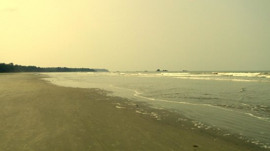 Muzhappilangad Drive-in Beach: The stretch of long beach