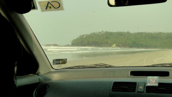Muzhappilangad Drive-in Beach: View from the car