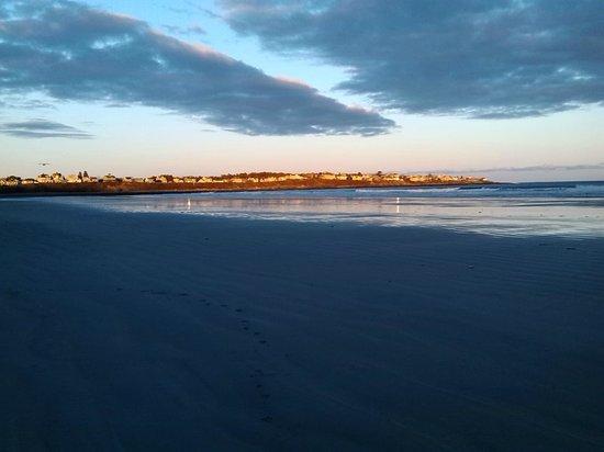 Long Sands Beach : sunset on nubble