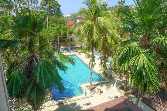 Garden Home Kata: Hotel's swimming pool