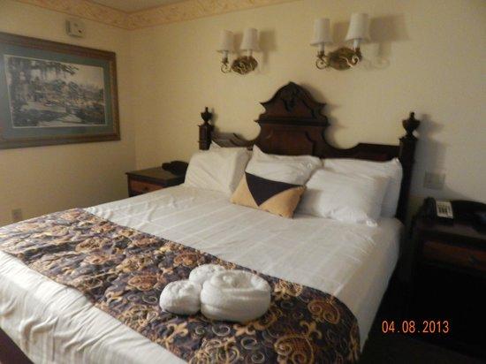 Disney's Port Orleans Resort - French Quarter : King Bed