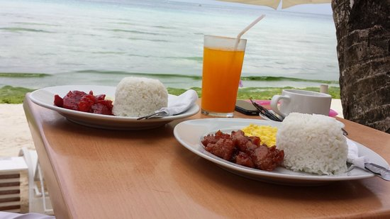 Bluelilly Hotel: Breakfast by the beach~