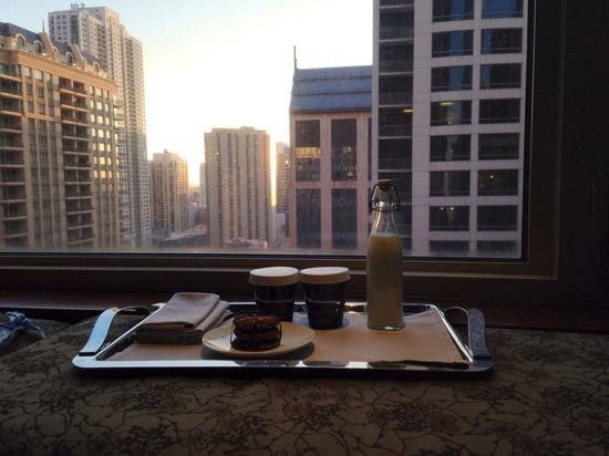 Park Hyatt Chicago: Room service cookies and milk