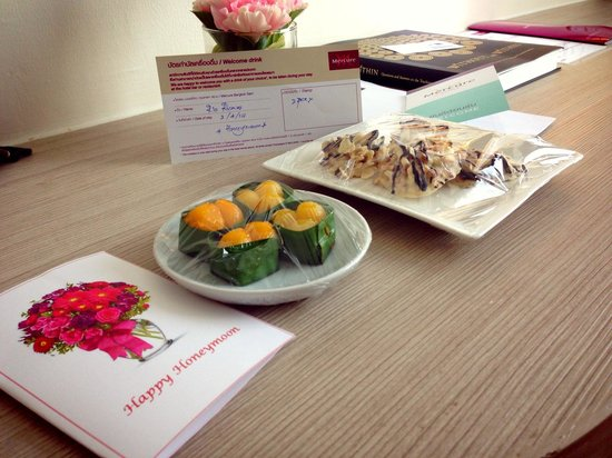 Mercure Bangkok Siam: Honeymoon setup