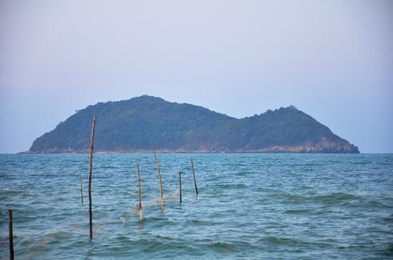 Mermaid Statue: island