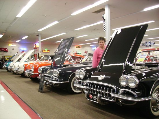Muscle Car City Museum: More Vettes...