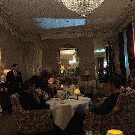 The Shelbourne Dublin, A Renaissance Hotel: Mayors Lounge- High tea