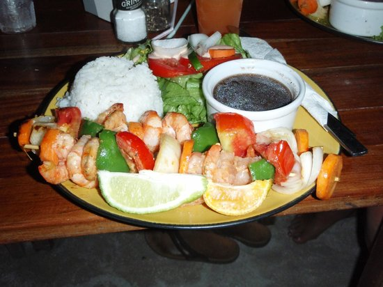 Jolly Roger's Grill & Restaurant : Shrimp kabob dinner