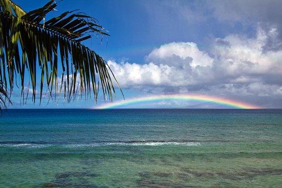 Kaleialoha Condominiums: Rainbow - viewed off the lanai towards Molokai