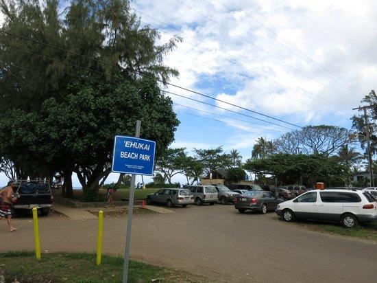 Ehukai Beach Park: 入り口