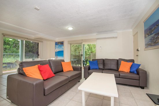 The Lord Byron: 3 bedroom apartment lounge area