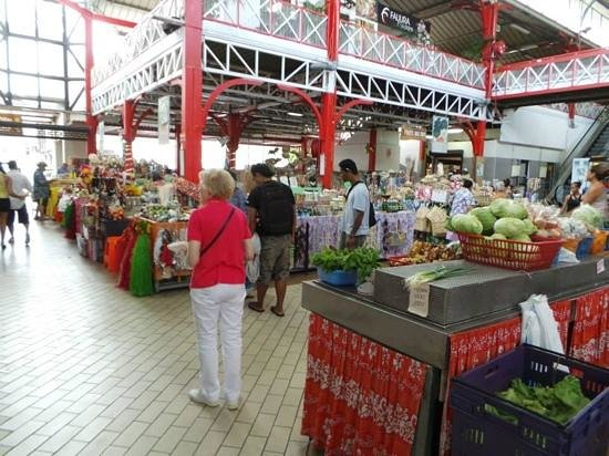 InterContinental Tahiti Resort & Spa : marché papeete