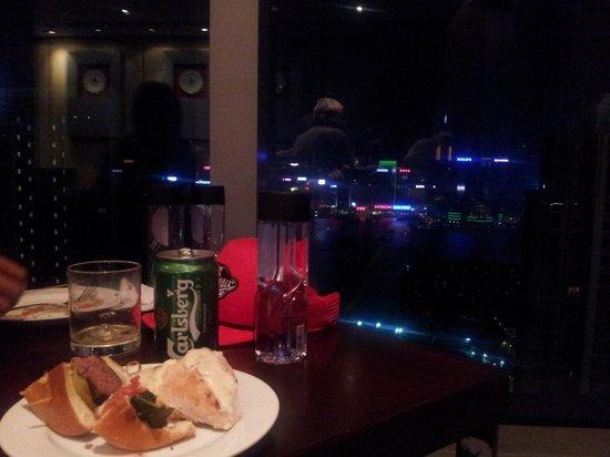 Hotel Panorama by Rhombus: nightly drinks