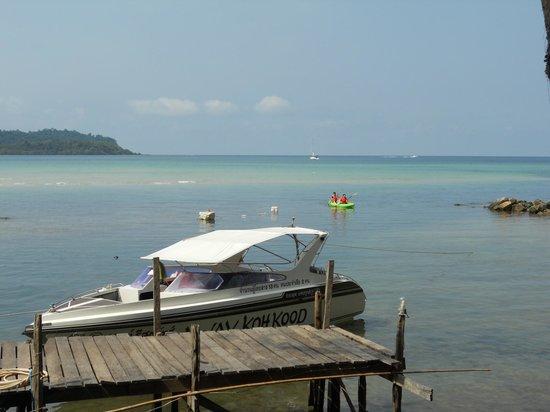 Away Koh Kood: ถ้าอยากไปดำน้ำก็ติดต่อทางรีสอร์ท มีบริการด้วยเรือส่วนตัว