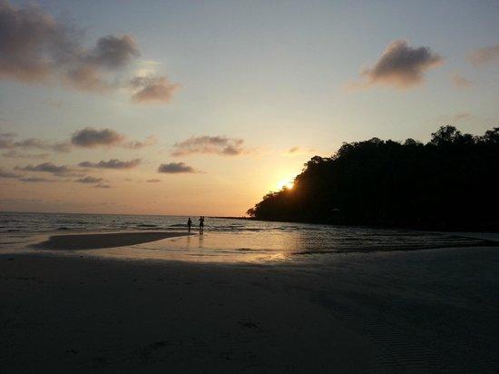 Away Koh Kood Resort: วิวพระอาทิตย์ตก